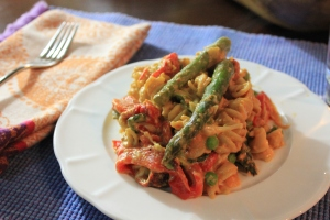 Roasted-Red-Pepper-Asparagus-Pasta-Plate