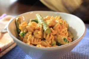 Roasted-Red-Pepper-Asparagus-Pasta-Side